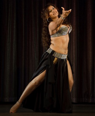 What is Egyptian raqs sharqi and cabaret style